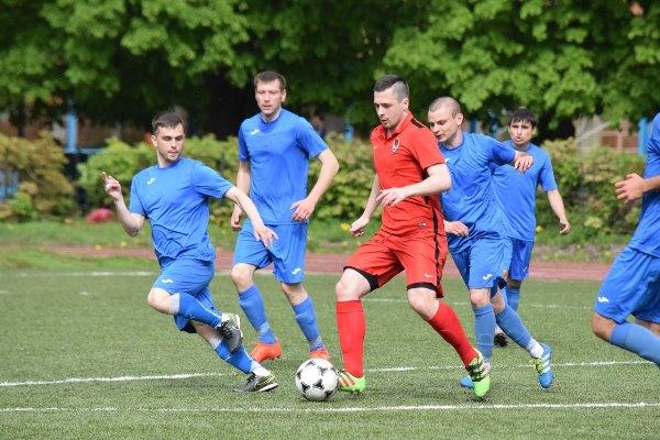Степанов и Адоевцев лидируют в гонке снайперов чемпионата Тульской области