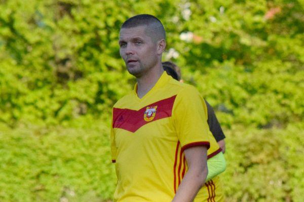 Дмитрий Агапов— лидер снайперской гонки ветеранского первенства области после 15 туров