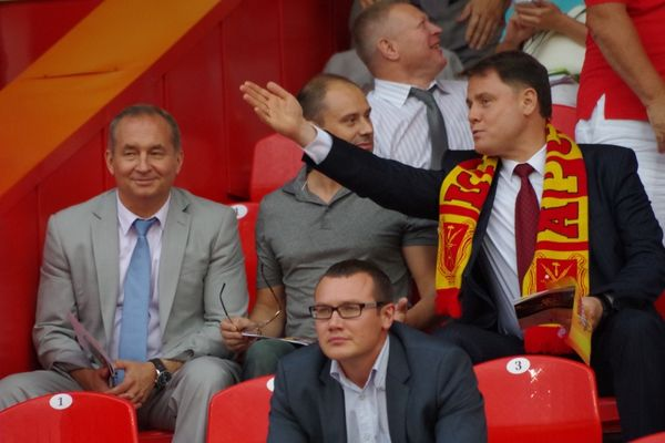 Груздев подверг критике запрет пива на футбольных стадионах