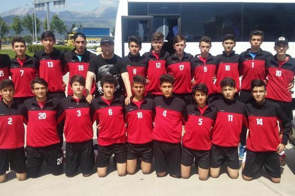 В Турции футбольный клуб обменял 18 игроков из молодёжки на коз