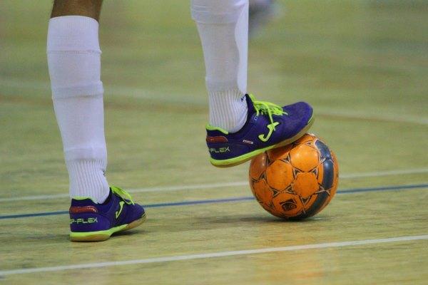 В чемпионате России по мини-футболу осталось 9 команд