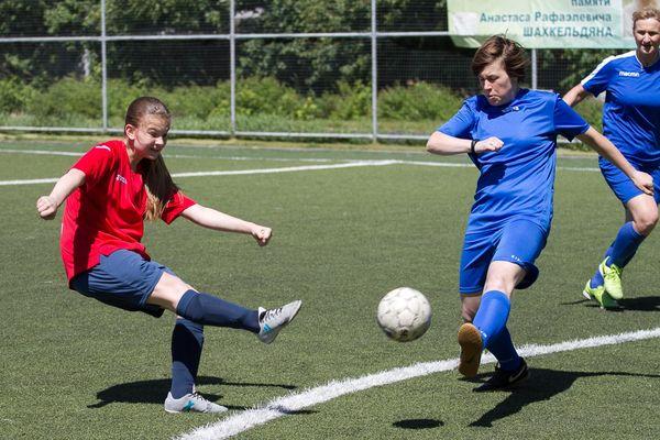 Женский чемпионат Тулы по мини-футболу выиграли калужанки