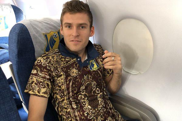 Защитник «Ростова» выбил мяч за пределы тульского стадиона