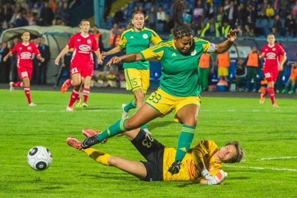 Учёные заявили, что женщинам вредно играть в футбол из-за опасных последствий