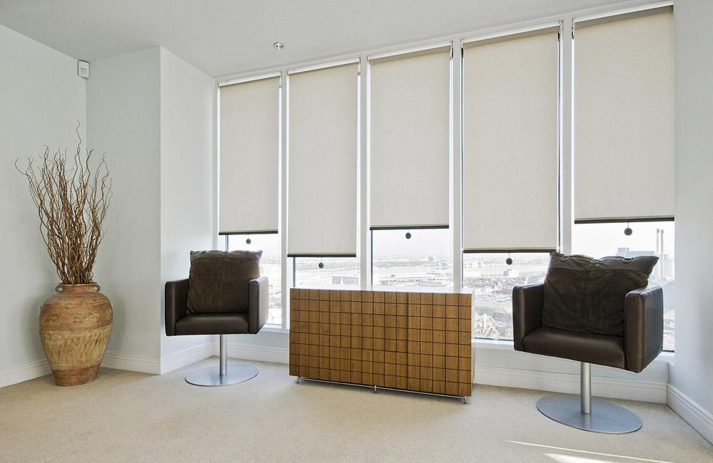 Качественные и недорогие рулонные шторы в наличии и под заказ