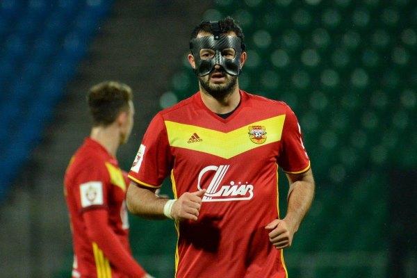 Гия Григалава: В маске было неудобно играть при искусственном освещении