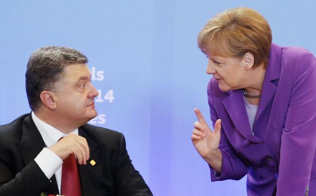 Порошенко обсудит с Меркель ситуацию на Донбассе и в Азовском море