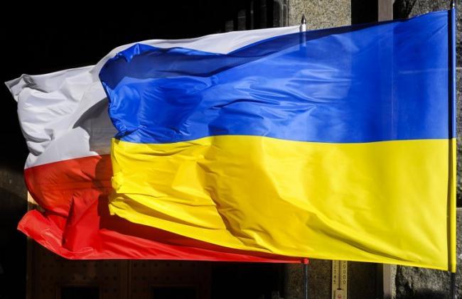 Польша хочет улучшения отношений с Беларусью и Украиной