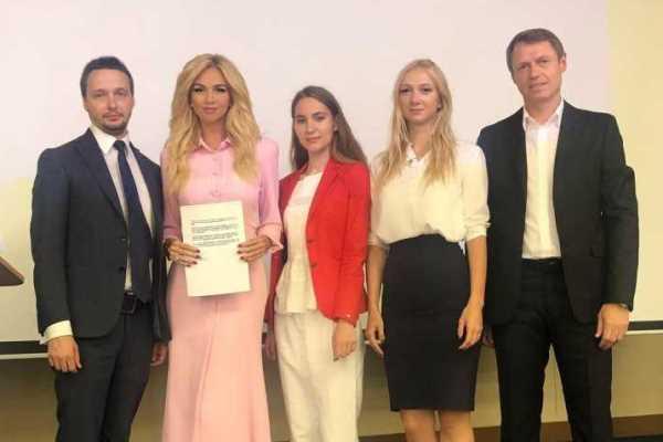 Виктория Лопырёва: Внимательно слежу за карьерой Кононова