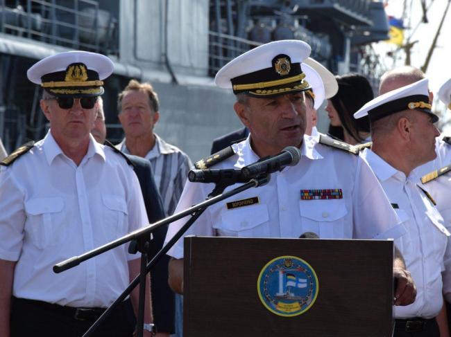 Командующий ВМС Украины предложил обменять себя на пленных моряков