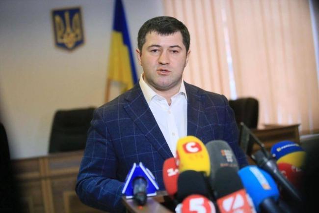 Насиров утверждает, что он легитимный руководитель фискальной службы