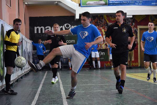 ЛДПР завершила год лидером чемпионата Тулы по мини-футболу
