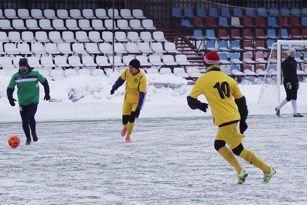 В зимнем чемпионате Новомосковска сыграют 10 команд