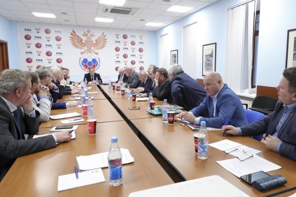 Геннадий Куличенков поучаствовал в заседании Совета регионов РФС