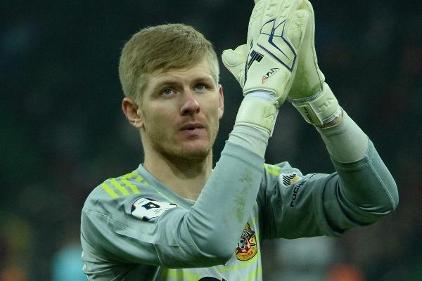 Михаил Левашов отпраздновал победу над «Зенитом» с фанатами «Арсенала» (+видео)