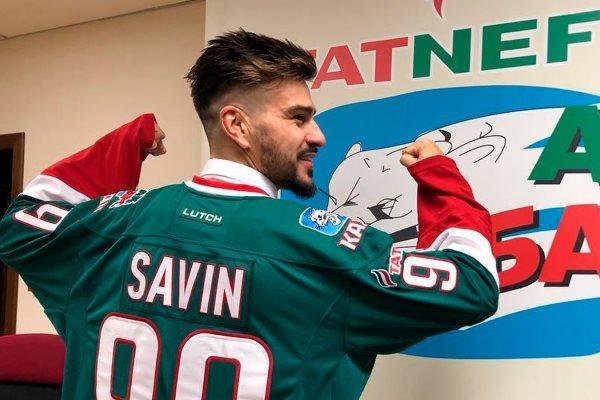 Евгений Савин: У футболиста причёски, сумочки, а у хоккеистов всё жёстче
