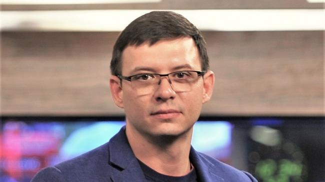 Символично, что Мураев идет в президенты под №6, ведь он по сути прислуживает СБУ, – блогер