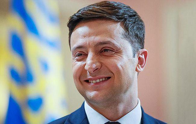 Зеленский объявил о начале распространения билетов на дебаты