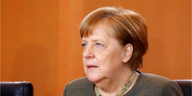 Меркель позвонила Зеленскому и договорилась поддерживать тесный контакт