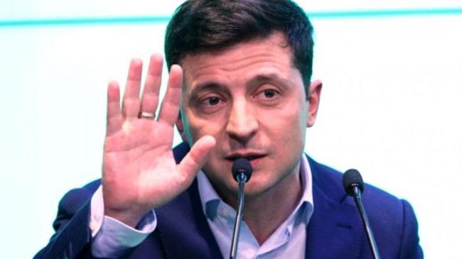 Зеленский призвал Кабмин уйти в отставку