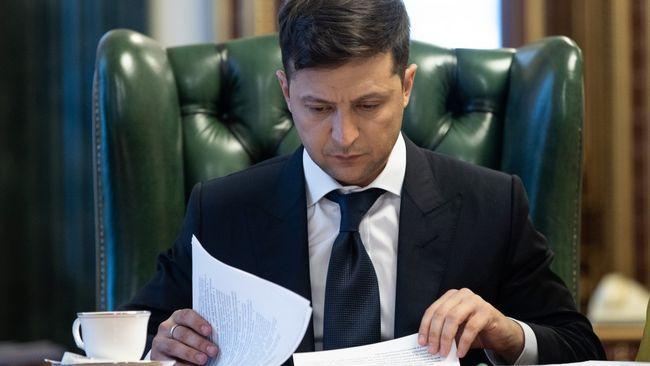 «Мы не начинали эту войну»: Зеленский тем, кто хочет отменить санкции против РФ