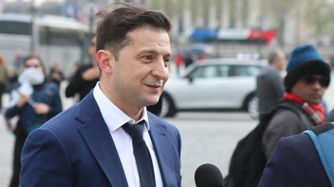 Зеленский просит Раду безотлагательно рассмотреть увольнение Луценко и Климкина