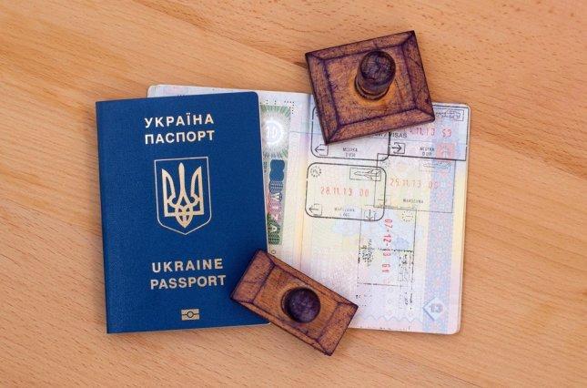 Сакварелидзе обвинил Порошенко в том, что из-за безвиза Украина потеряла миллионы рабочих рук