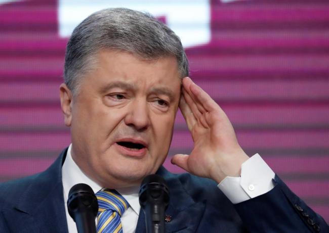 Бывший соратник Януковича заявил, что у Порошенко требовали прослушивать иностранных дипломатов