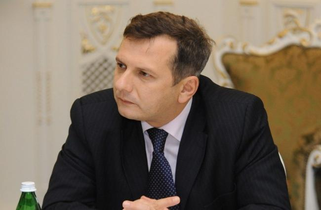 По коррупционным каналам в Украине ежегодно проходит $10 млрд, – советник Зеленского