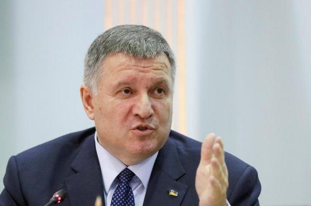 Зеленский предложил оставить Авакова во главе МВД