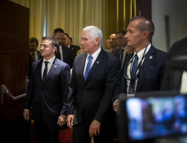 Вице-президент США отказался публиковать стенограмму звонка Зеленскому