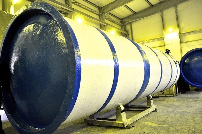 Какой резервуар лучше: полимерный или стальной?