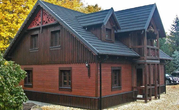 Ремонт деревянного фасада дома и малых архитектурных форм на одном участке?