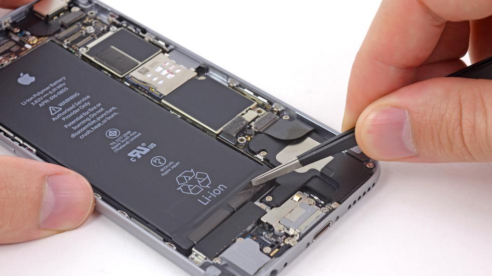 Замена аккумулятора на всех моделях iPhone