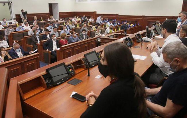 В Киевсовете требуют остановить политические репрессии против Порошенко