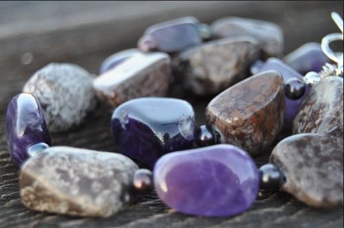 Украшения из натурального камня