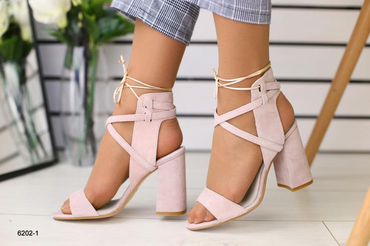Могут ли быть босоножки на каблуке одновременно и красивыми, и удобными